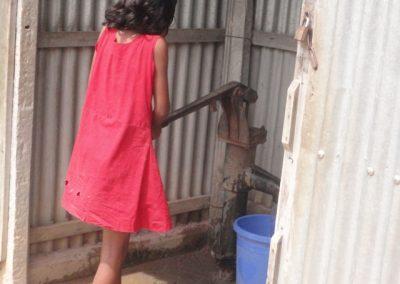 Acceso al agua y saneamiento en las comunidades indígenas de Dhobaura y Dhaluka (Bangladesh)